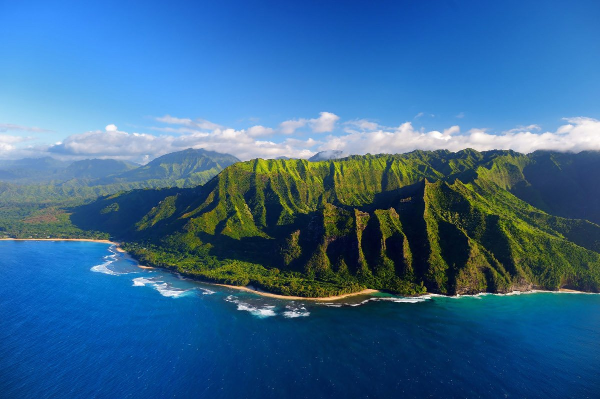 1r-Beautiful-aerial-view-of-spectacular-Na-Pali-coast-Kauai-Hawaii